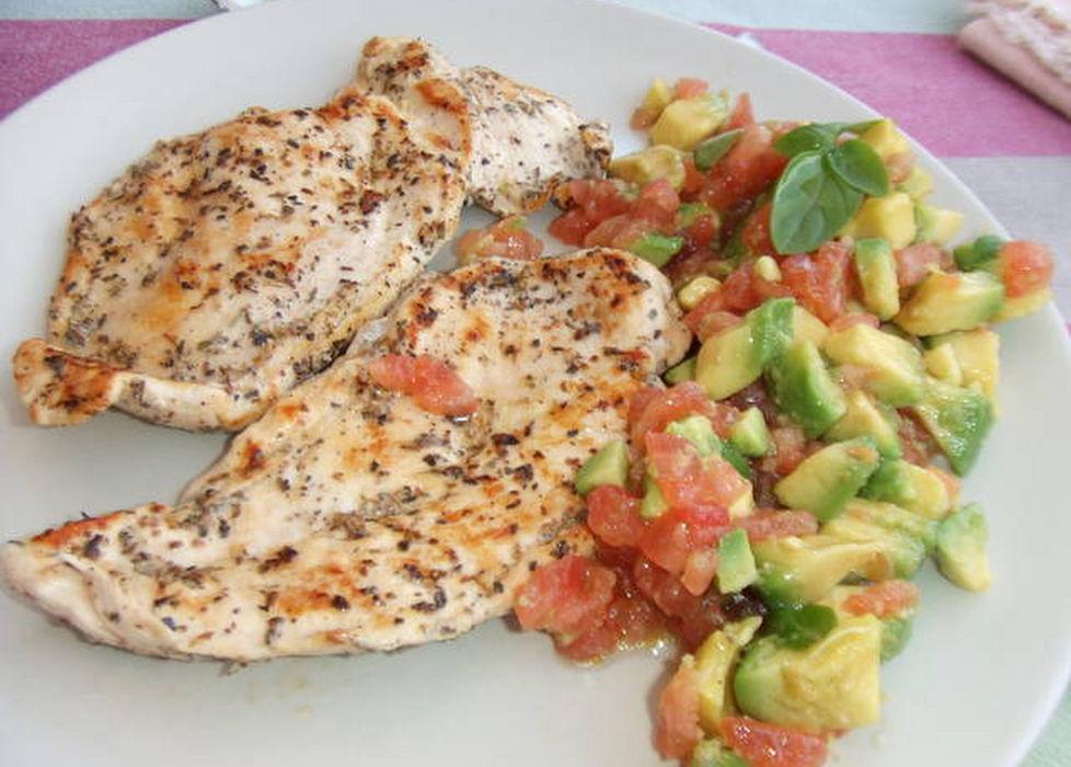 Receta pechuga de pollo al lim n or gano tomate y aguacate - Pechugas al limon ...