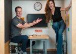 Selena Gomez se reúne con Mark Zuckerberg en una diminuta oficina